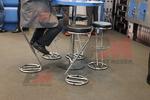 издръжливи бар столове със стойка за крака