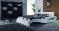 Бяло тапицирано луксозно легло