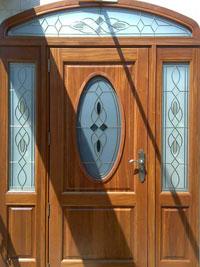 Масивна входна врата с оберлихт
