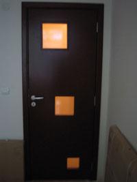 Врата за интериора в кафяв цвят с лаково покритие