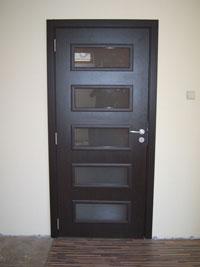 Ламинатна врата в черно по поръчка по RAL каталог