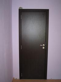 Интериорна врата от ламинат в цвят венге