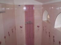 Редене на плочки за баня