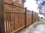изработка на високи дървени огради