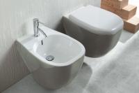 Комплект за баня биде и тоалетна чиния в сиво
