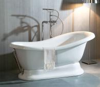 Бяла керамична основа за вана от Италия