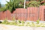 дървена ограда със зидана основа по поръчка