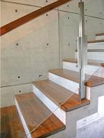 дървена стълба
