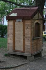 Будка от дървен материал по клиентска заявка