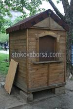 Будка от дървен материал по проект