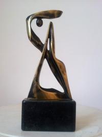 Бронзова авторска скулптура Баланс