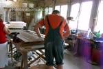 изработка по поръчка на дървени прозорци